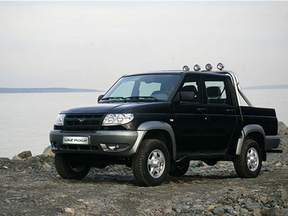 УАЗ Пикап выпускается в двух комплектациях